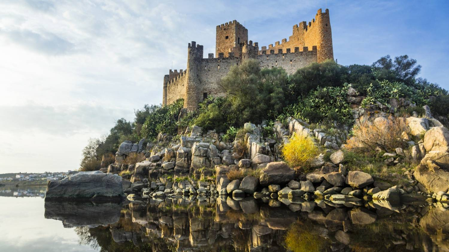 Almourol Castle - Things To Do In Lisbon
