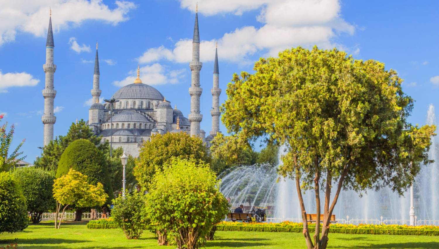 Blue Mosque (Sultan Ahmet Camii) - Things To Do In Istanbul