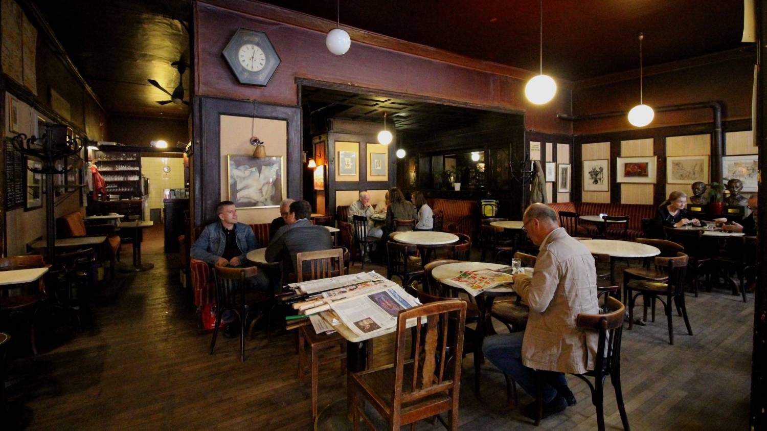 Cafe Hawelka - Things To Do In Vienna