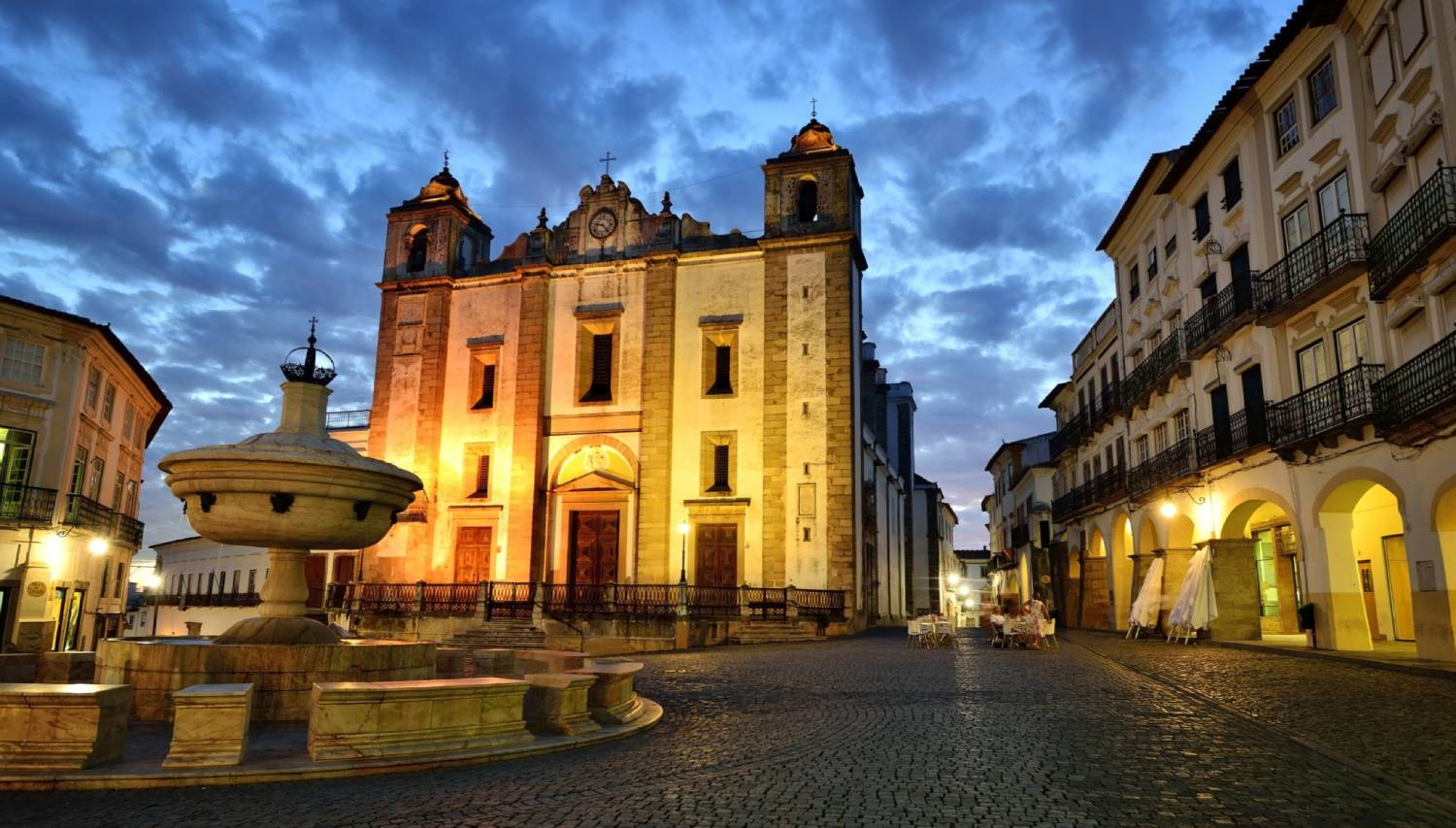 Evora - The Best Places To Visit In Portugal