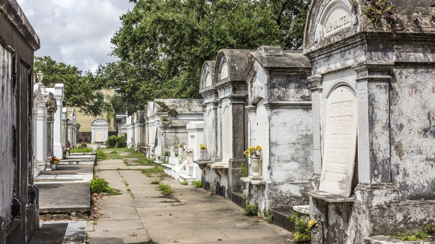 Lafayette Cemetery - Things To Do In New Orleans