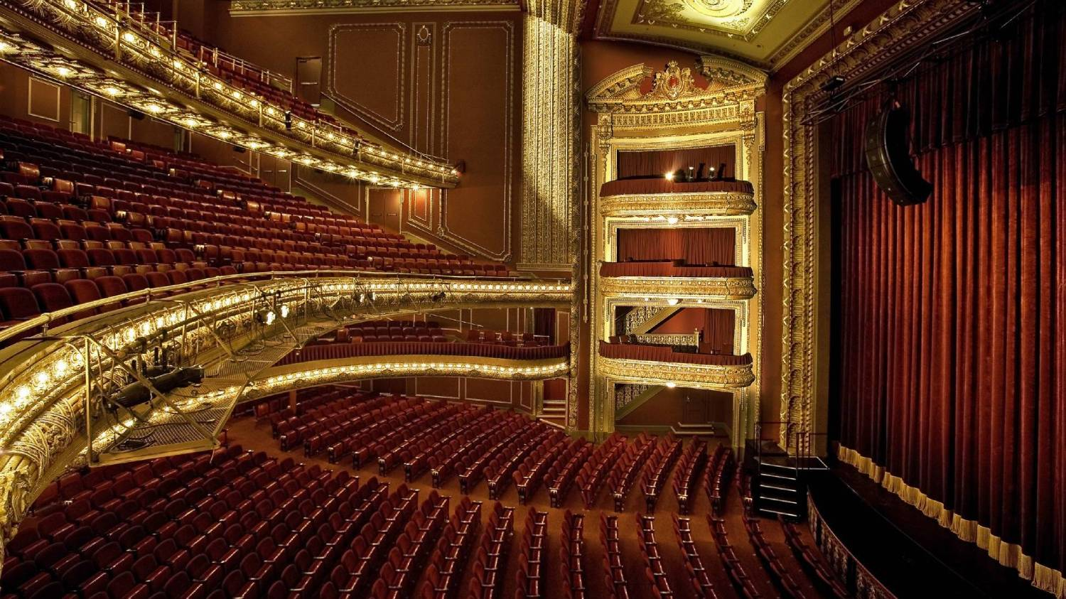 Majestic Theatre - Things To Do In New York City