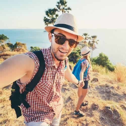 Oly - Travel Blogger