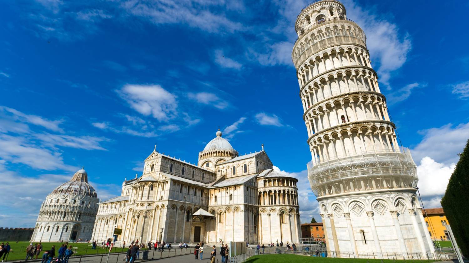 Piazza dei Miracoli - Things To Do In Pisa