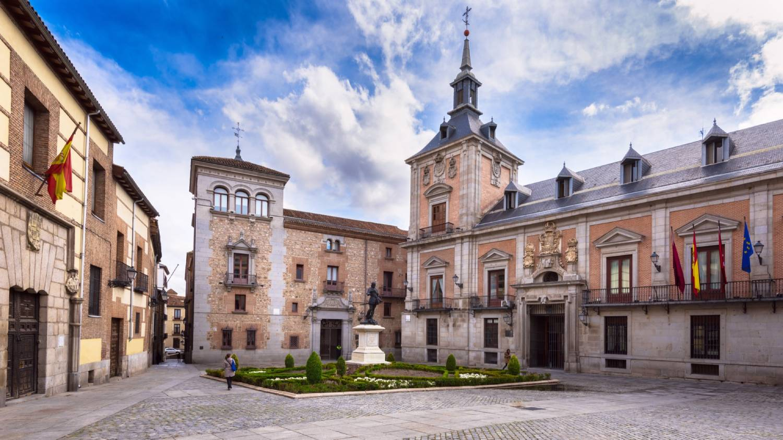 Plaza de La Villa - Things To Do In Madrid