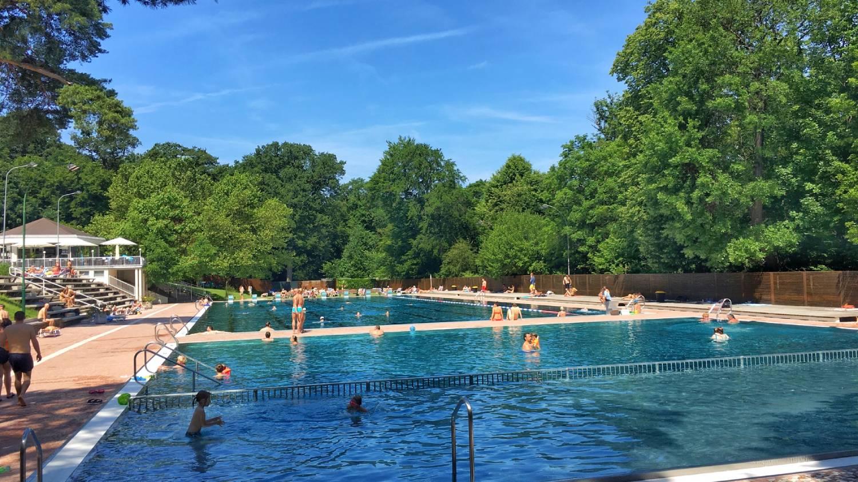 Schönbrunn Palace Pool (Schönbrunnerbad) - Things To Do In Vienna