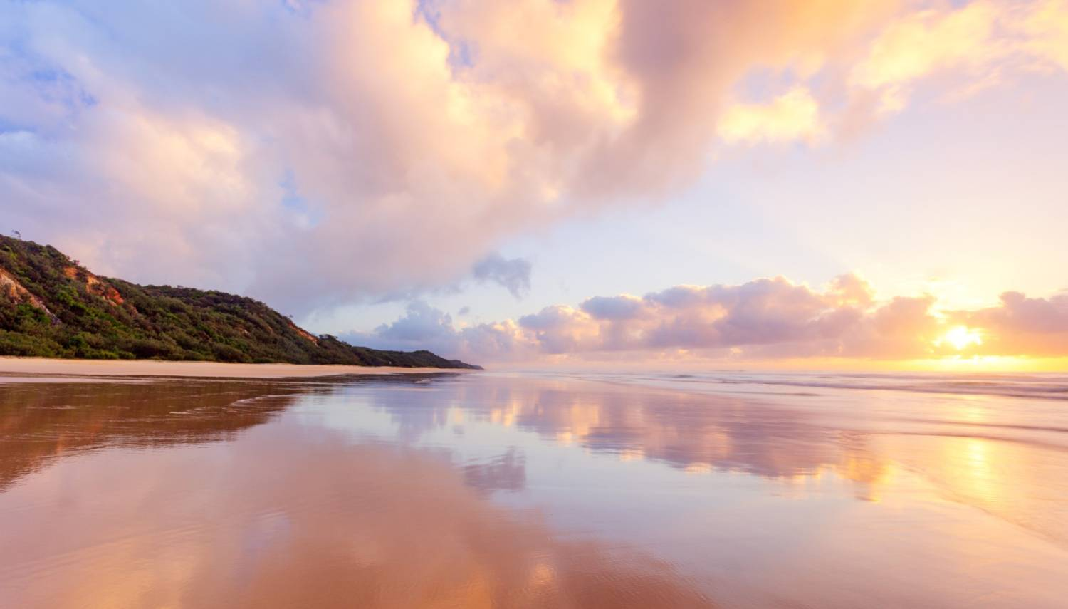 Seventy-Five Mile Beach - Things To Do On Fraser Island