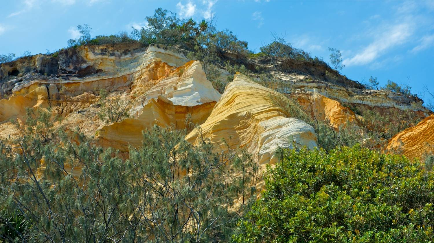 The Pinnacles - Things To Do On Fraser Island